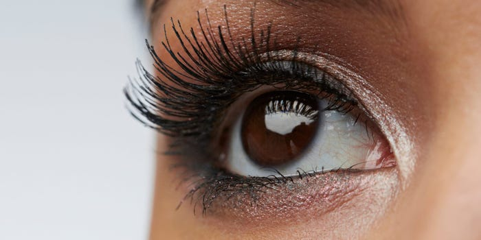 Organic Castor Oil to Boost yours Eyelashes